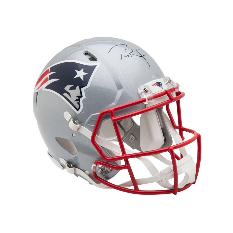 mainTom Brady Signed New England Patriots Helmet0