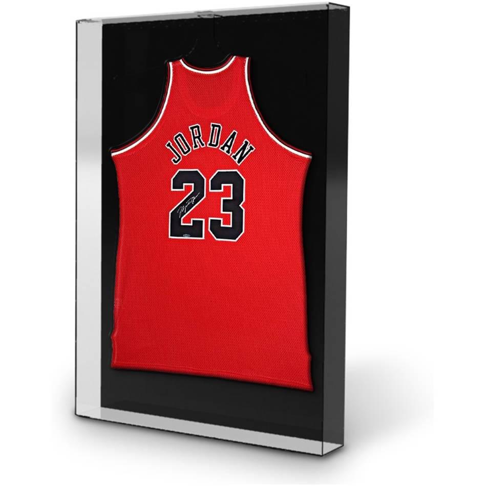 mainMichael Jordan Signed Chicago Bulls Jersey1