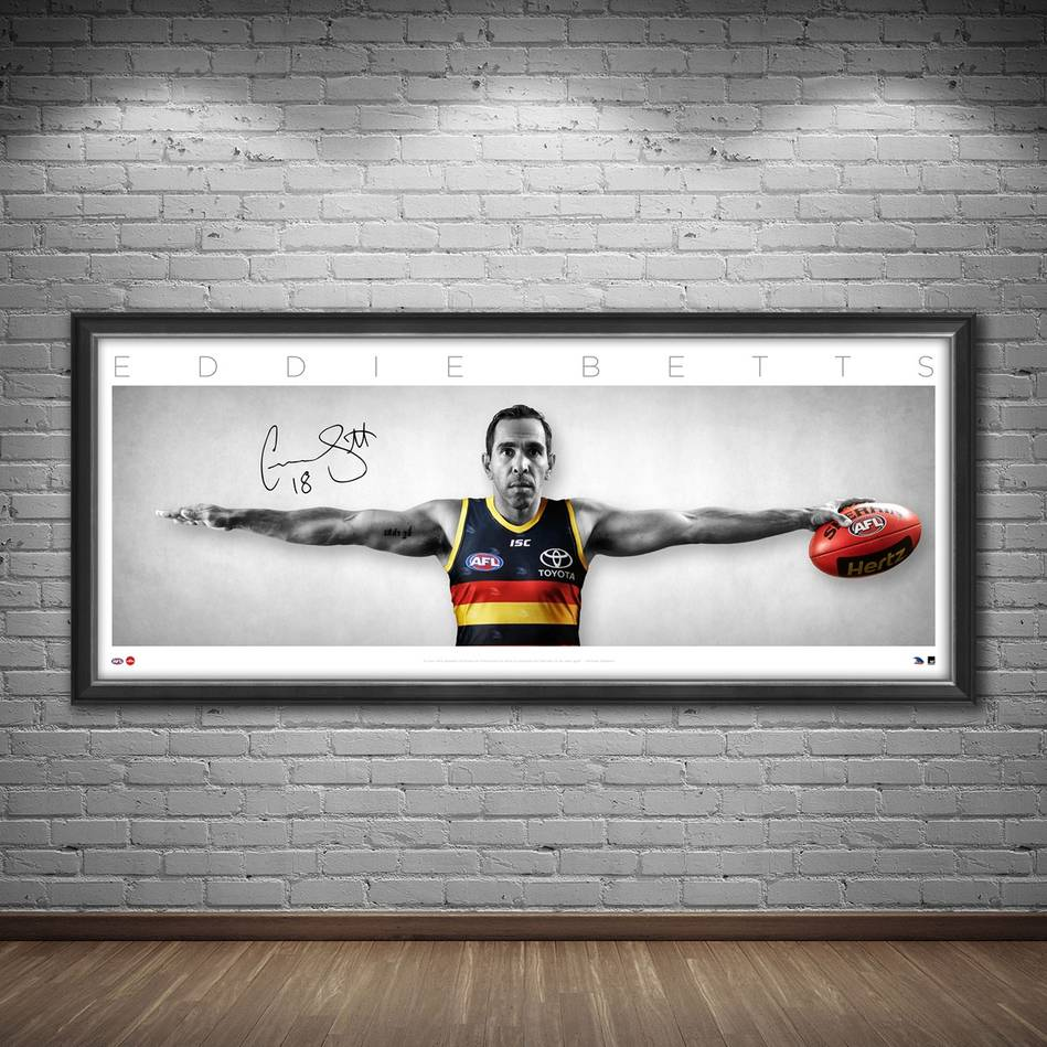 mainEddie Betts Signed Wings1